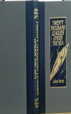 Twenty Thousand Leagues Under the Sea by Jules Verne-Hardcover